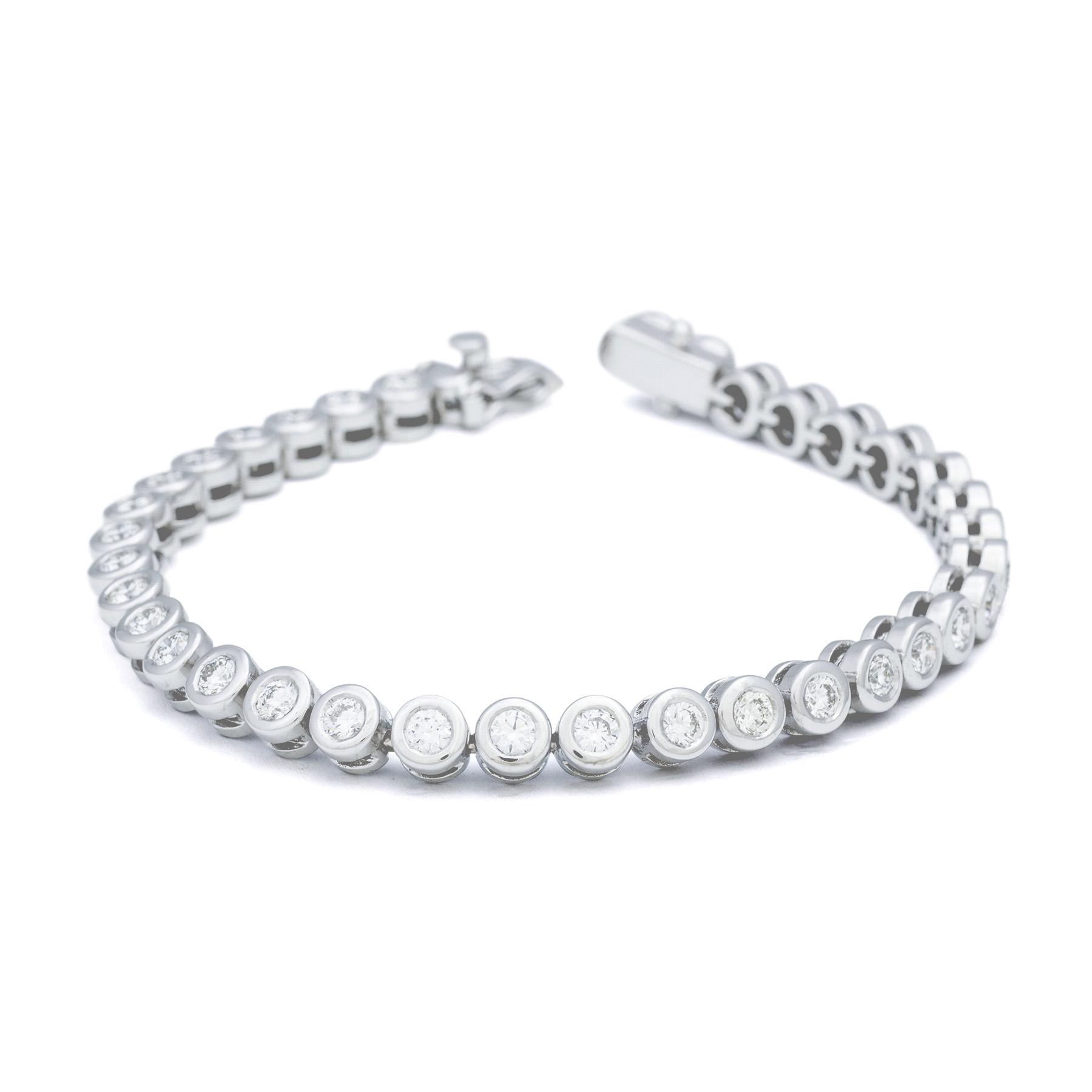 1c07b35e0461 Optar por joyas finas y sofisticadas hará que seas el centro de todas las  miradas en un día tan mágico y único como lo es tu boda.